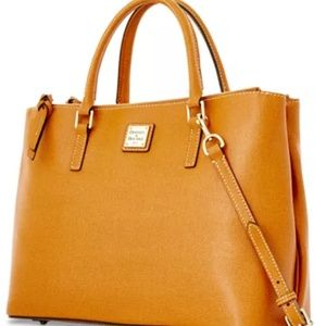 D & B Saffiano Willa Zip Satchel in Natural